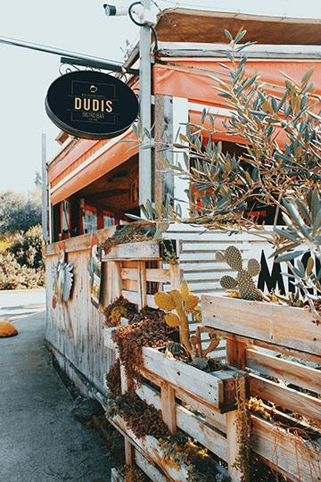 image of Dudis restaurant